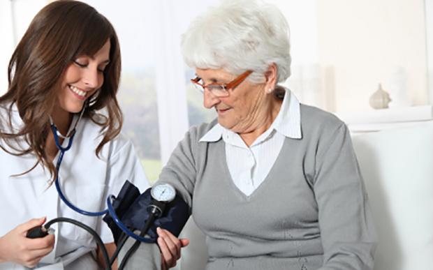 enfermeiras para idosos